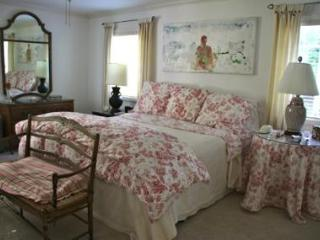 Honey Retreat: Lovely Beach Cottage - Carmel vacation rentals