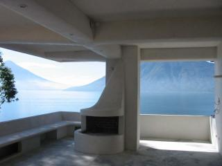 Organic Architecture- Lake Front- Family Couples - Guatemala vacation rentals