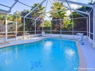 Flamingo Venice House Heated Pool - New Furniture, HDTV, Wifi - Venice vacation rentals