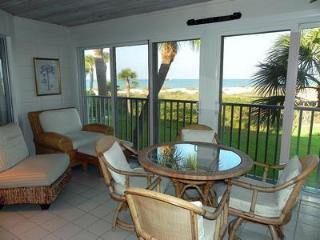 Beautiful get-away on white sands of Gulf of Mex - Longboat Key vacation rentals