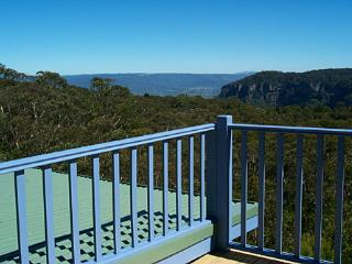 Katoomba Blue Mountains Retreat - Glorious Views - Katoomba vacation rentals