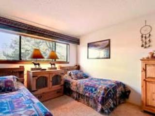 2 Bedroom, 2 Bathroom House in Breckenridge  (10B) - Breckenridge vacation rentals