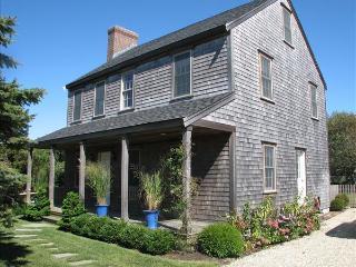 3 Bedroom 3 Bathroom Vacation Rental in Nantucket that sleeps 6 -(10138) - World vacation rentals