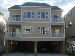 Great Location & Price! $50 off book by June 4 - Wildwood vacation rentals