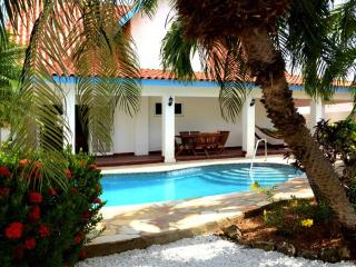 Villa - exceptional garden with pool, near beaches - Palm/Eagle Beach vacation rentals