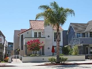 3 Bedroom Beach Condo Located on Peninsula Point! (68297) - Newport Beach vacation rentals