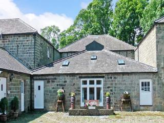 BARN OWL COTTAGE, pet friendly, character holiday cottage, with a garden in Pateley Bridge, Ref 12884 - Pateley Bridge vacation rentals