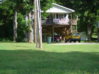 Hardy Ar,  Cabin 29 Next to Cabin 32 Spring River - Hardy vacation rentals