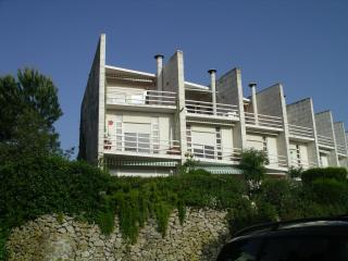 Beautiful House with Deck and Dishwasher - Setubal vacation rentals