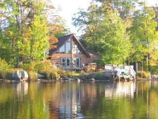 Lakefront Chalet Near Camelback - Tobyhanna vacation rentals
