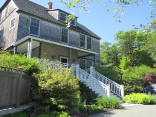 Gorgeous 6 bedroom Northeast Harbor House with Internet Access - Northeast Harbor vacation rentals