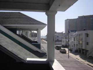 Beach Block 4 Bdrm Upper BCottage with Ocean Views - Ocean City vacation rentals