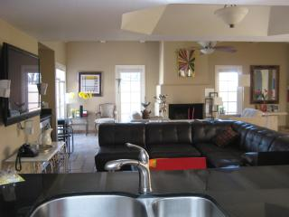 Contemporary Townhouse in Scottsdale Near Old Town - Scottsdale vacation rentals