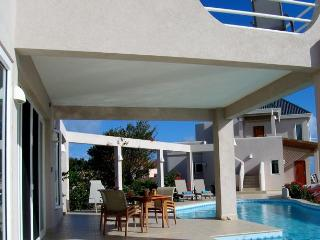VILLA GARDENIA EXCEPTIONAL VALUE: 1or 5 bed RENT - Long Bay Village vacation rentals