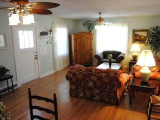 Pets welcome, within walking distance of Festival - Cedar City vacation rentals