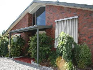 Bed of Roses B&B   Self Contained & Pet Friendly - Swan Hill vacation rentals