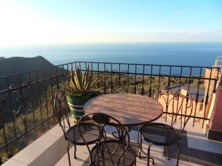 B&B Il Vigneto - Rooms with sea view in 5 Terre - Manarola vacation rentals