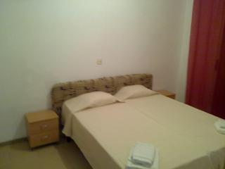excellently equipped apartment in Lotus complex - Blanes vacation rentals