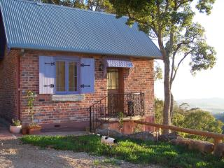 Beautiful 1 bedroom Pokolbin Cottage with A/C - Pokolbin vacation rentals