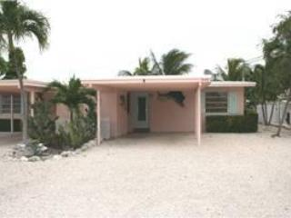 Front of house, parking. - Tropical Tranquility, island living!  # 1A - Key Colony Beach - rentals