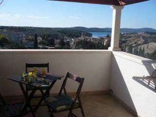 5122 A1(2+2) Crveni - Milna (Brac) - Milna (Brac) vacation rentals