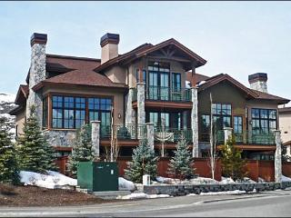 Luxury Townhome - Perfect for a Family Reunion or Large Group (1098) - Sun Valley vacation rentals