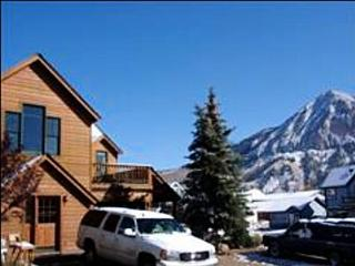 Refurnished Home - Just Blocks Away from Shopping and Dining (1039) - Crested Butte vacation rentals