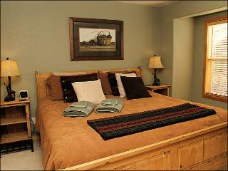 Adjacent to Property 2878 - Great New Downtown Location (2877) - Northwest Colorado vacation rentals
