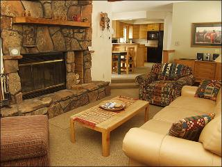 Easy Walk to Lifts - 200 Yards - Quiet Creekside Location (3008) - Tabernash vacation rentals