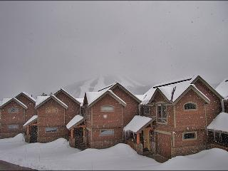 Luxurious Finishes Throughout - Beautiful Ski Area Views (5004) - Tabernash vacation rentals