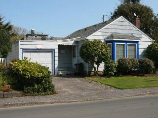1165 Beach Drive, 1/2 block to the Prom and Beach - Seaside vacation rentals