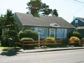 1061 South Downing, Vintage Knotty Pine Cottage - Seaside vacation rentals