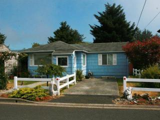 1921 South Downing Summer Cottage Sun Deck BBQ - Oregon Coast vacation rentals