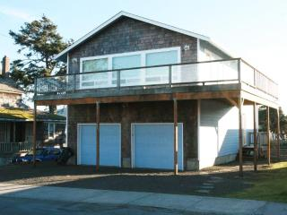 65 Second Ave Ocean Views In the heart of Seaside - Seaside vacation rentals