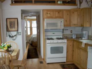 Beautiful Hyatt Lake - Campers Cove - Ashland vacation rentals