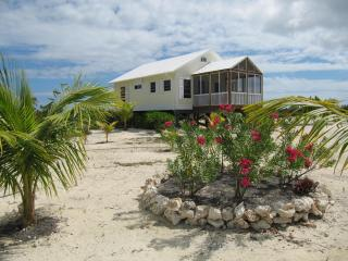 2 BED, 2 BATH COTTAGE AT THE BEACH ! - Long Island vacation rentals
