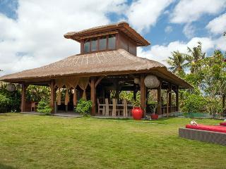 Canggu Tropical Large Villa, with Pool Fence - Jimbaran vacation rentals