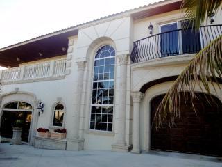 Luxury Ocean Views! Le Petit Château Près de la Mer, Ocean Ridge, Florida - Ocean Ridge vacation rentals