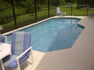LAKE BERKLEY-(1059LB) 4BR 3BATH Pool Villa w/ 2 Master Suites in gated Resort - Kissimmee vacation rentals
