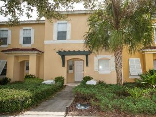 EMERALD ISLAND (2727SK) - 3BR 2.5BA townhome, gated Resort, tons of amenities - Kissimmee vacation rentals