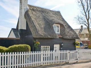 Little Thatch, East Anglia Ref 13617 - Walton-on-the-Naze vacation rentals