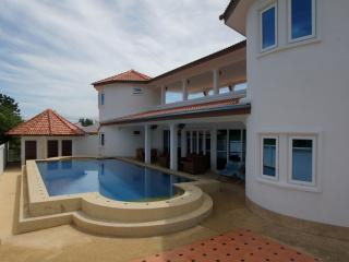 Sa'Wan Villa - Luxury 4 Bedroom Self Catering Vill - Hua Hin vacation rentals