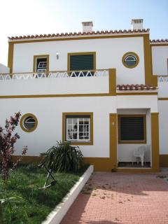 2 Bedroom House 2km from beach Longueira, Portugal - Longueira vacation rentals