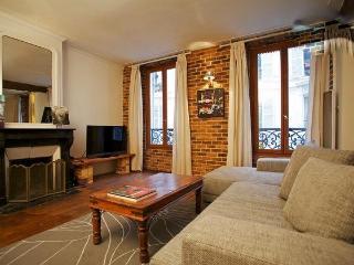 Lovely flat Paris Montmartre 4 sleeps - Paris vacation rentals