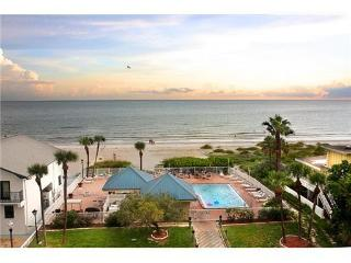 Gulf Beach Front w/ Beautiful Sunset Views - Redington Shores vacation rentals