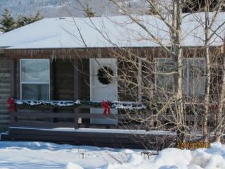Nice Cabin with Deck and Internet Access - Victor vacation rentals