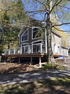 Waterfront Cottages, Wolfe Lake, Westport, ON - Westport vacation rentals