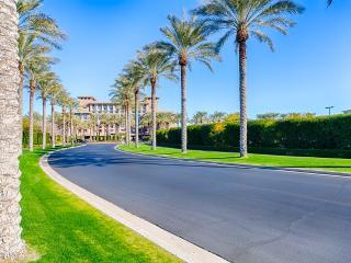 The Blue Love Nest- Golf views, pool, spa,sauna - Scottsdale vacation rentals
