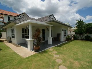 Greenacres Villa- Beautiful 3 Bedroom Villa - Hua Hin vacation rentals