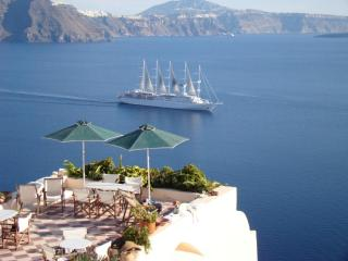 ARIS CAVES, Traditional Cave Houses - Oia vacation rentals